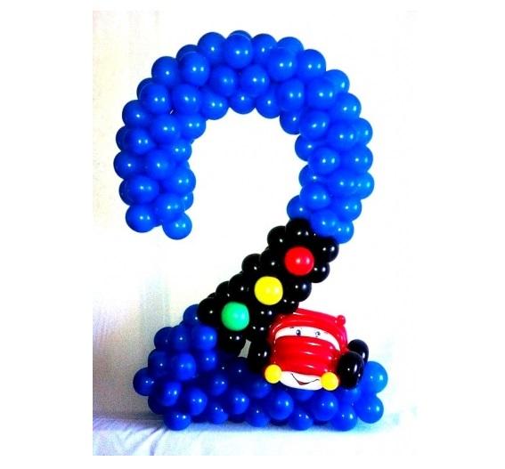 Цифра из латексных шариков