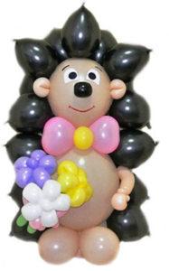 """Фигура из шаров """"Ежик с тремя воздушными цветами"""""""