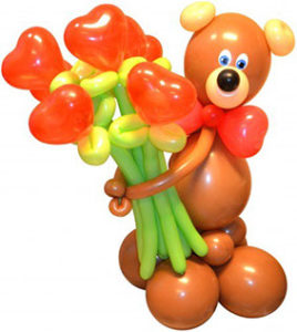 Фигуры из шаров Мишка с букетом из 7 цветков